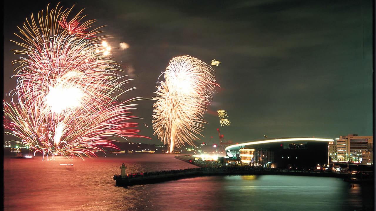 下関市】8月13日の夜は海峡線香花火大会を開催!15,000人で打ち上げる ...